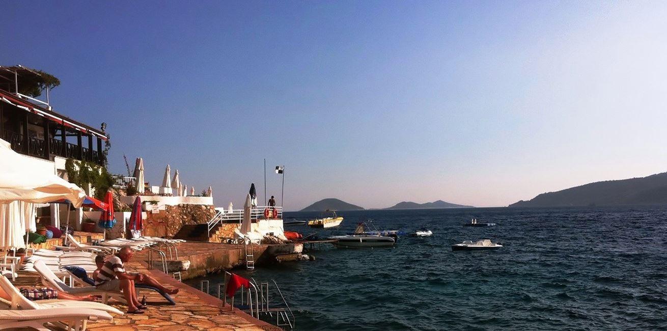 Kalamar beach club with watersports