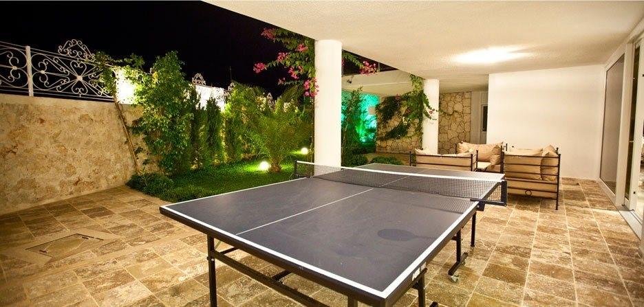 Table tennis table on lower floor