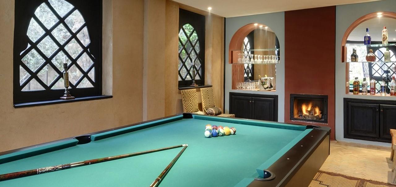 25 Pool Table