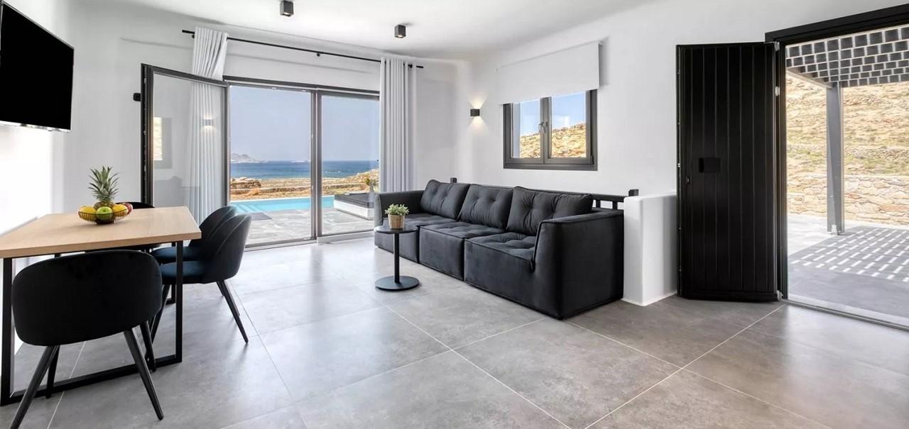 Lounge1 Summer Bliss Villa