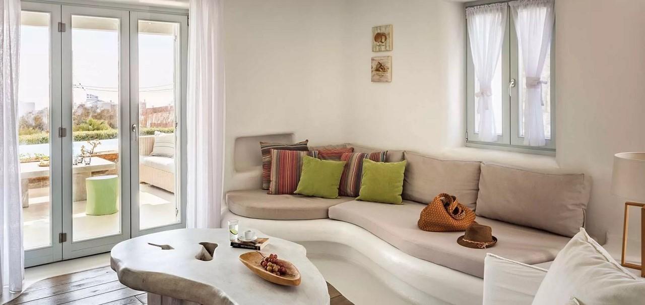 Lounge Pebble Villa