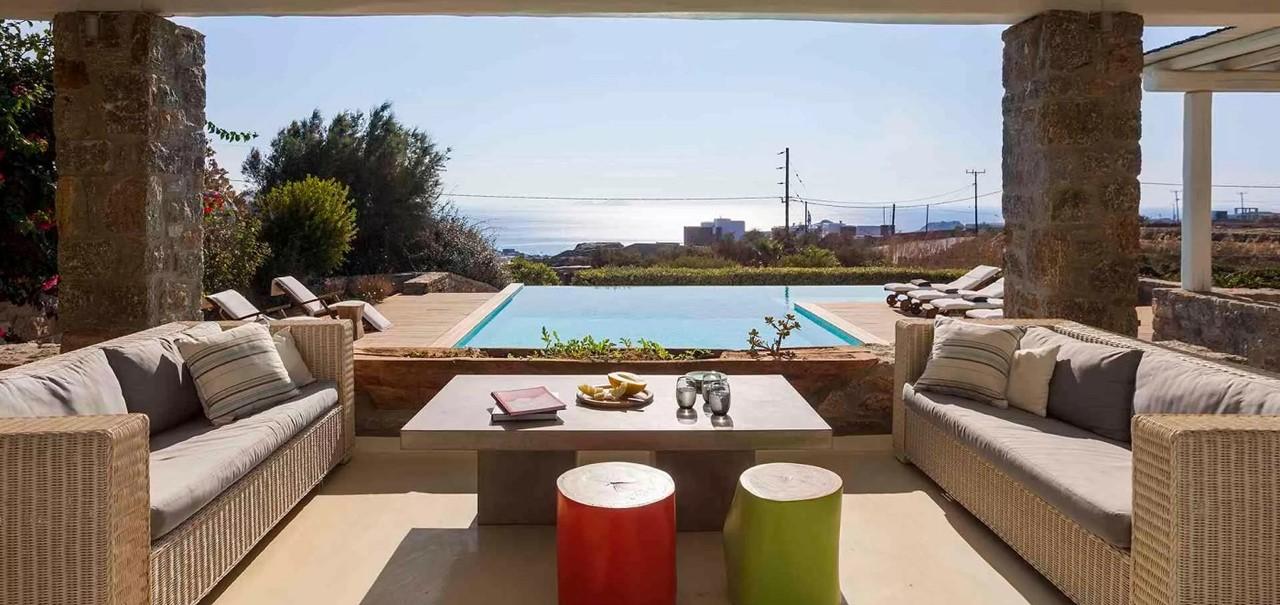 Outside5 Pebble Villa