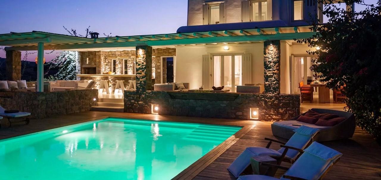 Outside6 Pebble Villa