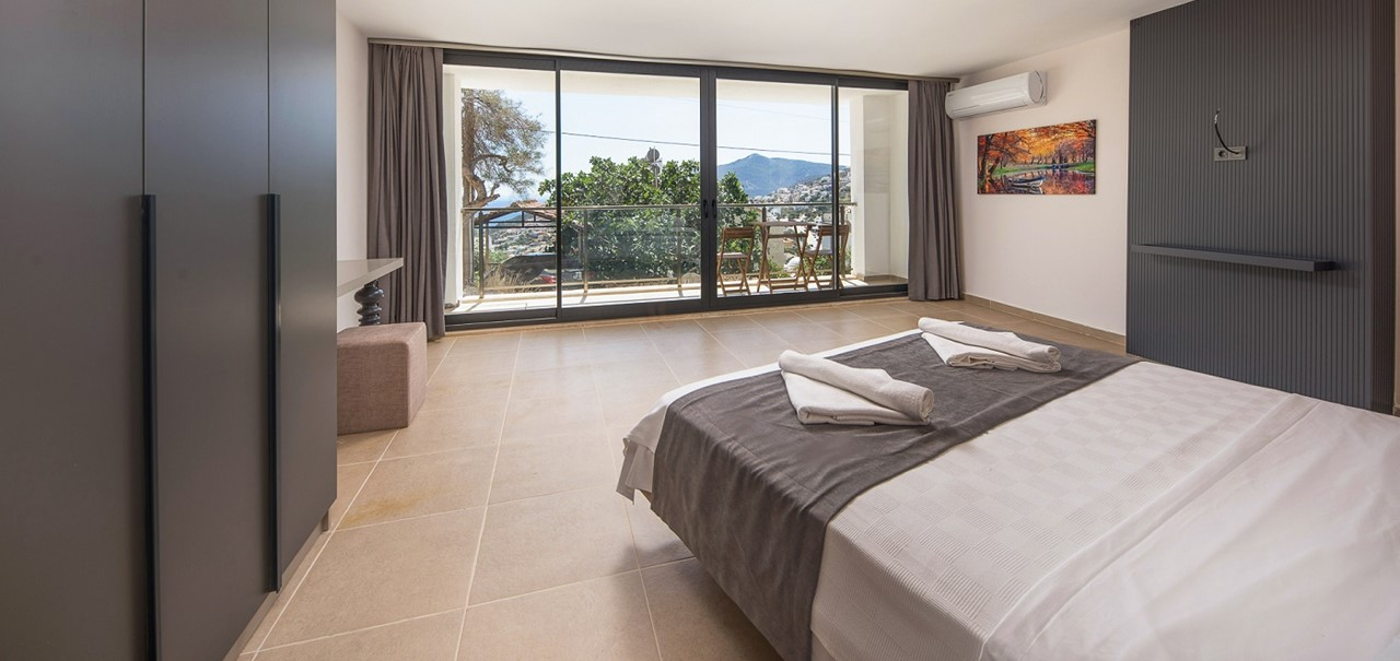 Basement Double Bedroom 2