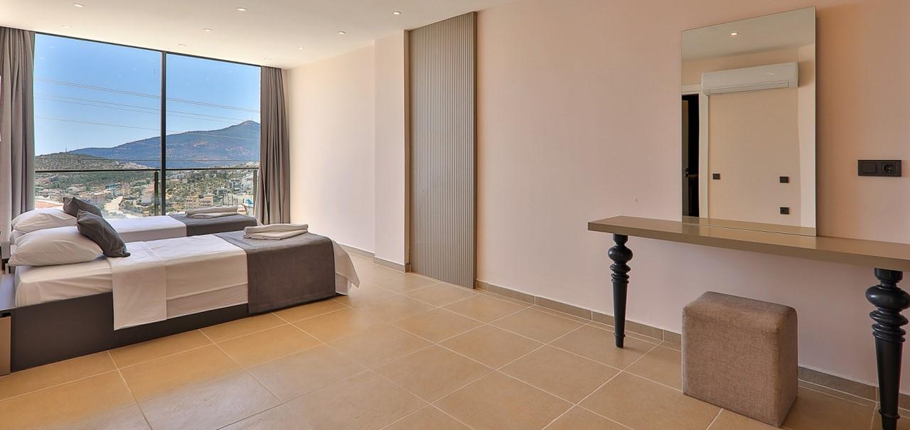 Basement Twin Bedroom 3