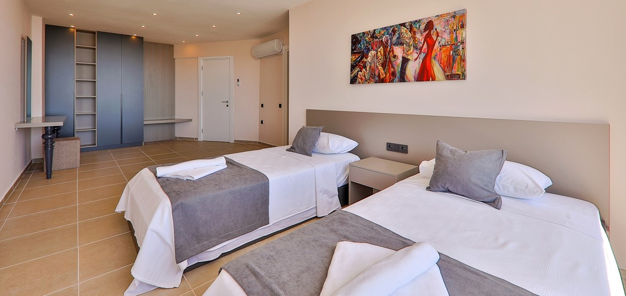 Basement Twin Bedroom