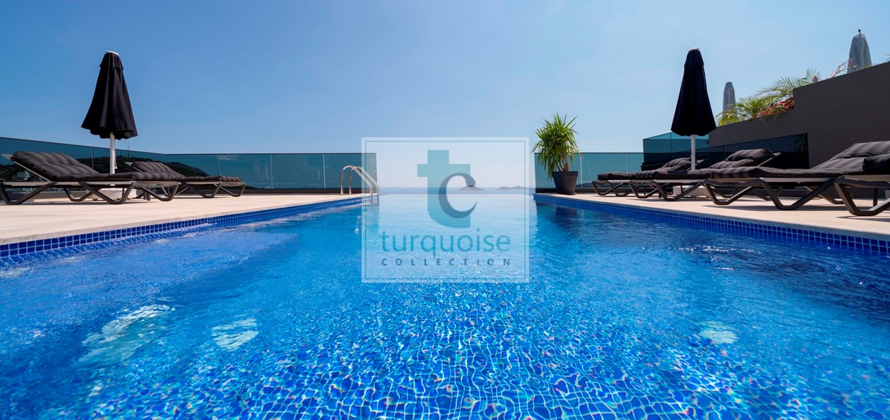 Turquoise Bay 2