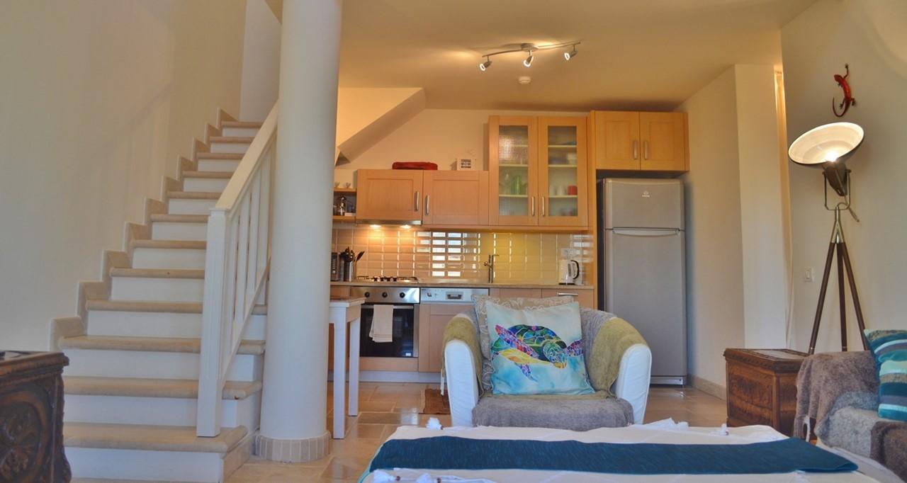Livingrm Kitchen 6 Y