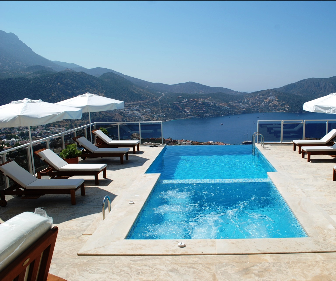 Villa Mirage Pool