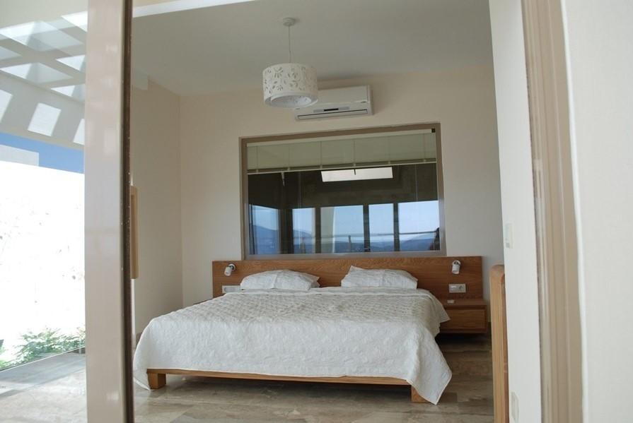 Villa Mirage Bedroom