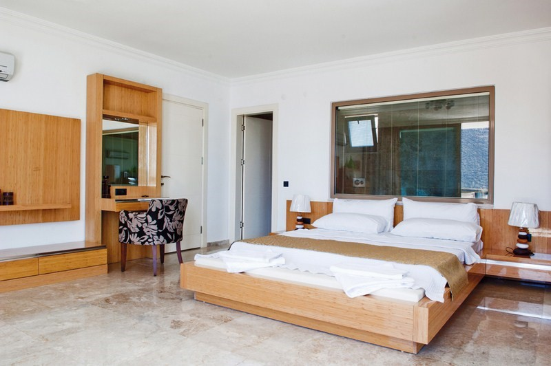 Bedrooms With Kingsize Beds